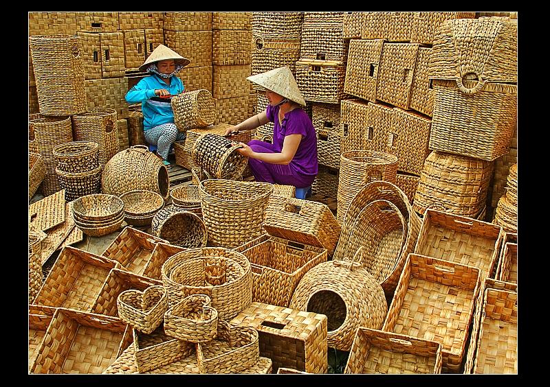 Sản phẩm đan từ lục bình ( bèo tây) có giá trị xuất khẩu cao