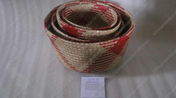 Rổ đan cói dập họa tiết đỏ VNH0043
