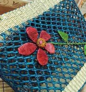 Túi cói đính hoa màu VNH0171