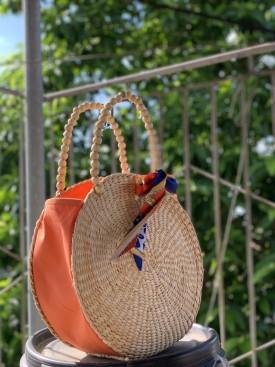 Túi cói tròn quai hạt gỗ VNH0459